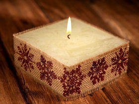 Rustic candle with jute- Brown Snowflakes 10x10cm