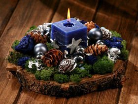 Arrangement on spruce slice of wood ca.30cm- Winter
