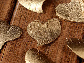 Birch hearts, 3-4 cm, 8 pcs/pkg, gold