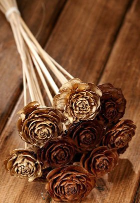 Bouquet of 12 Cedar Roses Natural-Gold