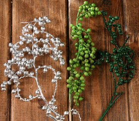 Canella twigs with fruits, 3 pcs/pkg, 20-30 cm, green-silver