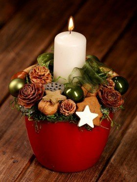 Christmas Arrangement in ceramic, red cover