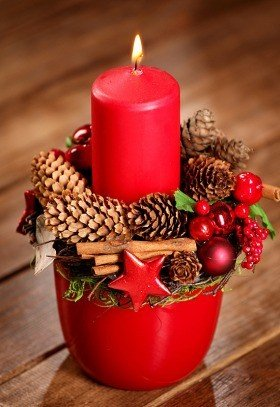 Christmas Arrangement in red planter (26cm)