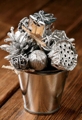 Christmas spray bucket of variety - silver