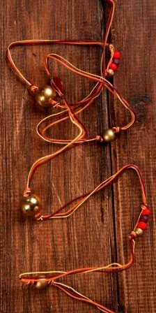 Claret&Gold garland on 3-colour string 500cm