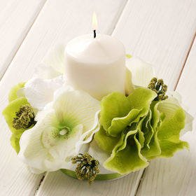 Cream-green composition with candle 15/15 cm