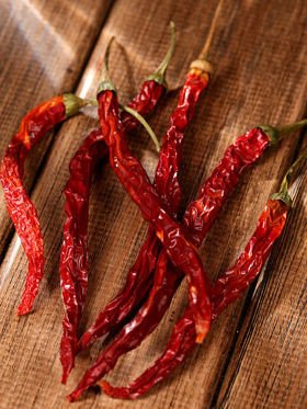 Dried peppers 6/pkg  14-18 cm