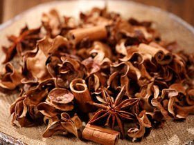 Natural Potpourri- Anise and Cinnamon (A)