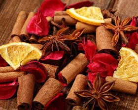 Natural Potpourri – Cinnamon, Anise and Sweet Orange with Flowers Fragrance (C)