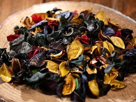 Potpourri Yellow-Blue Husks- Opium Fragrance 100g