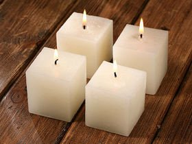 Set of 4 white candles