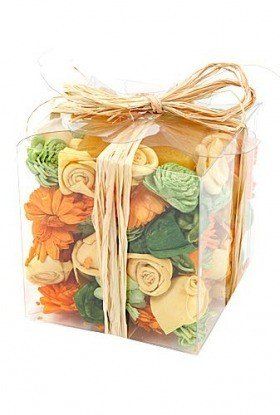 Set of potpourri with candle - fresh