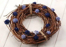 Vine wreath with sola flowers- marine blue