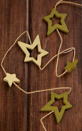 light&dark green garland of 12 stars on string 180cm