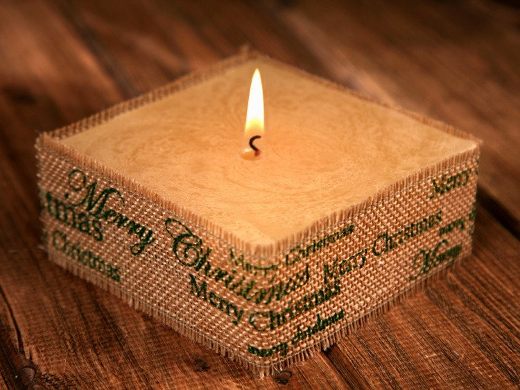 Rustic candle with jute-Green Merry Christmas  10x10cm