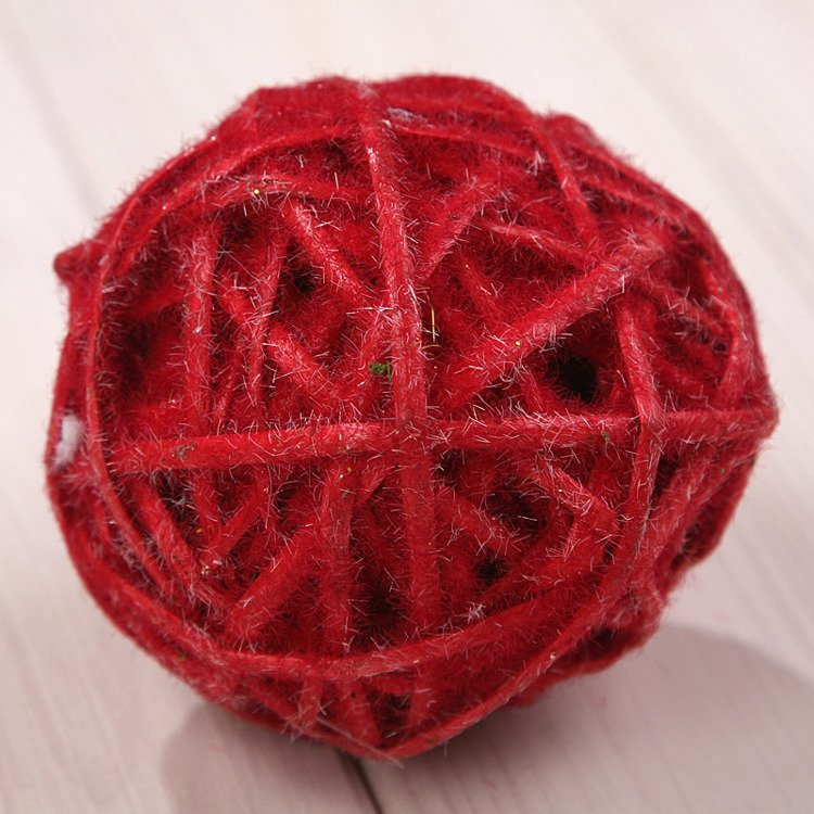 Ball of wide wicker - frosty red 8cm