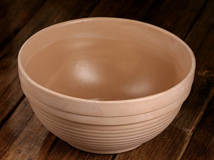Ceramic Italian bowl depth:12.5cm Diam. 15cm