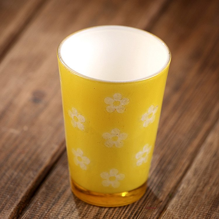 Ceramic glass- vase in pattern of flowers 7.5/11cm yellow