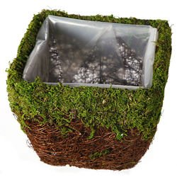 Cover made of fascine and moss 17x17x14 cm
