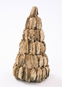Husk Christmas tree, 30 cm high, gold lacquered