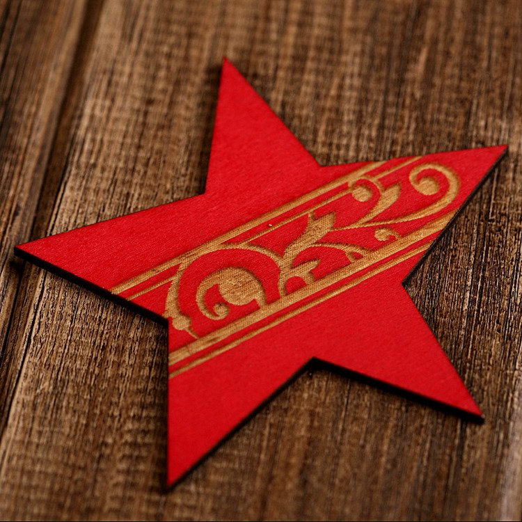Set of 6 red wooden stars 8.5cm