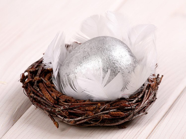 Wooden ball in nest, 10-12cm, silver