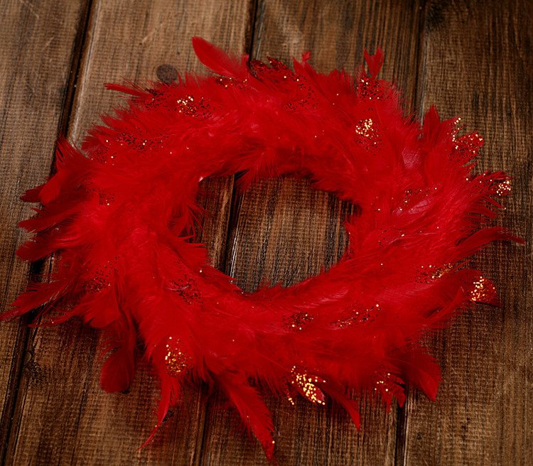 Wreath of feather red 20-25cm