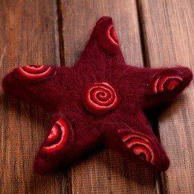 Zestaw 4 gwiazd  filcowych fuksja 8 cm