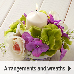 Arrangements / composition of artificial flowers