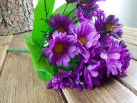 A bouquet of purple daisies - about 24 flowers 40 cm