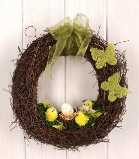 Arrangement 10026 Wreath- happy chickens ca. 30cm