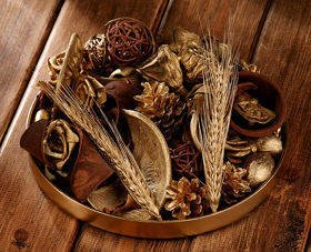 Arrangement of dried plants 25-30 cm GOLD