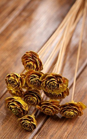 Bouquet of 6 Cedar Roses Yellow