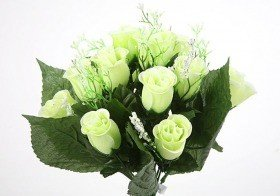 Bouquet of roses in bright green buds - 30 cm