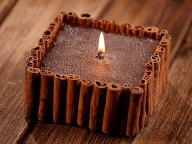 Candle with aromatic cinnamon 12x12cm