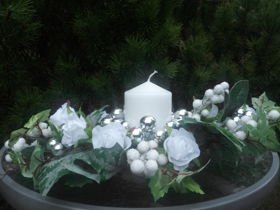 Christmas Arrangement- White in Nature 50 cm