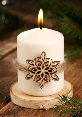Christmas candle with an asterisk