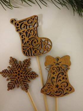 Christmas decorations. Wooden decorations on the peak 20 cm-3 pcs / pack