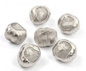 Decorative hazelnut 18 pcs - silver
