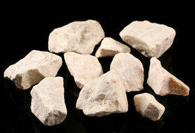Decorative stones (6) 1kg