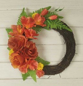 Door wreath on roses in ferns 25 cm