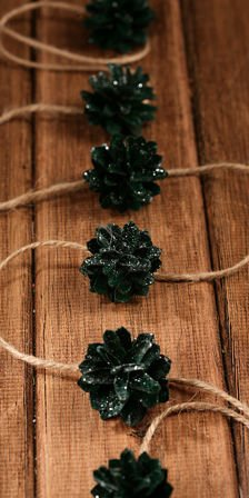 "Garland of rattan balls ""2cm"" 200cm green"