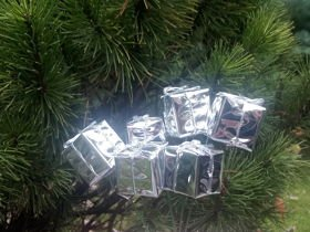 Gifts on wire, 18 pcs/pkg - silver
