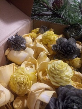 Handmade Christmas decorations -Flowers for the Christmas tree shades of yellow with the addition of olive-30 pcs / pack