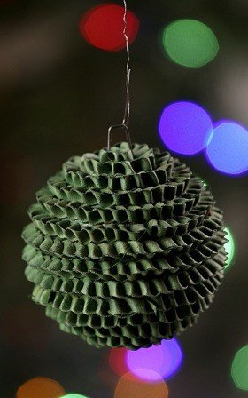 Hedgehog ball, green, 6-7 cm