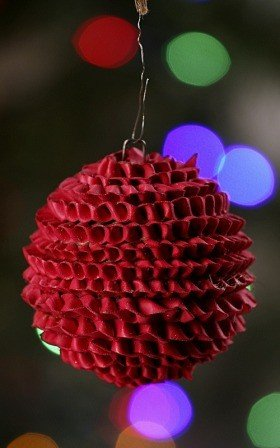 Hedgehog ball, red, 6-7 cm