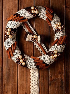 Holiday wreath - cinnamon miracle