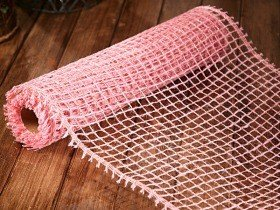 Jute net 50 cm x 5 m with gold thread - pink