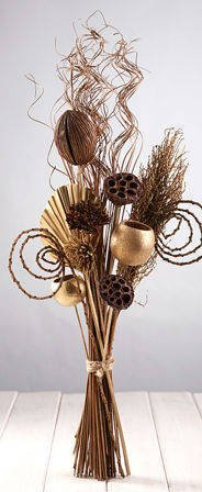 Natural Arrangement with Gold additions (ca. 30cm)