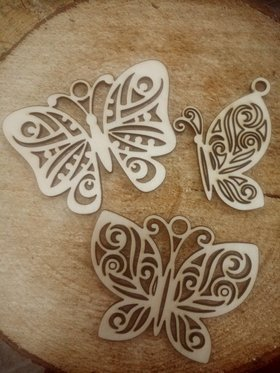 Natural wooden decoration, Butterfly pendants 8 cm / 3 pcs.